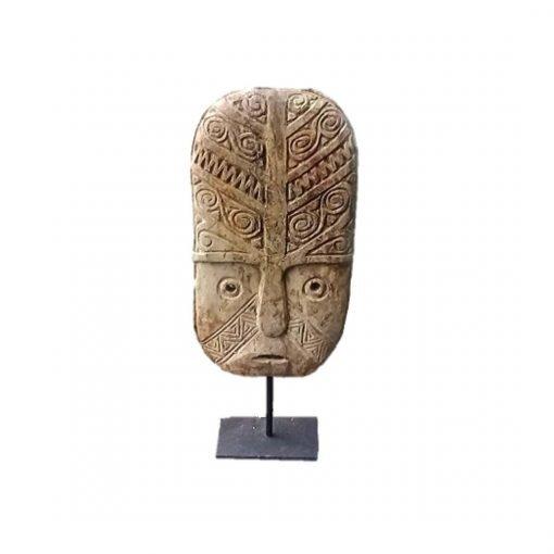 Masque tribal indonésien en bois